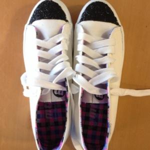 zapatillas de deporte con purpurina negra diy